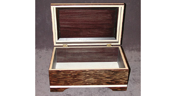 Handcrafted keepsake box by solid black palm - Black Palm