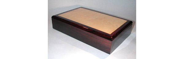 Handmade man's box made of colobolo and maple burl