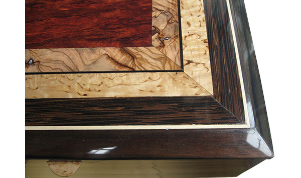 Mosaic top of bloodwood burl, Mediterranean olive, masur birch - close up - Handcrated wood box