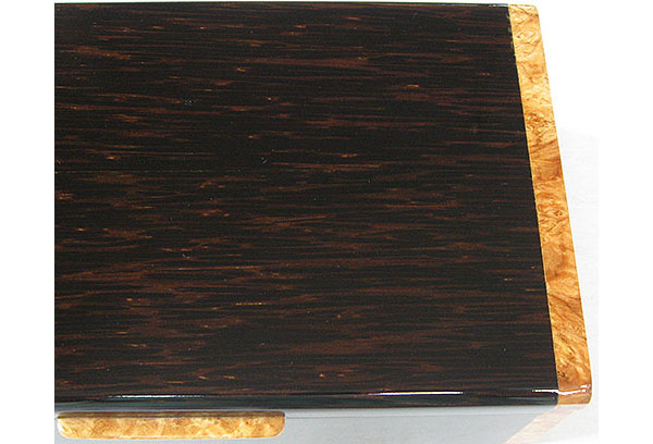 Black palm with maple burl end box top close-up - Handmade decorative wood men's valet box or keepsake box