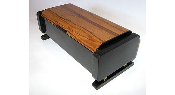 Handmade keepsake box made from ebony and Honduras rosewood