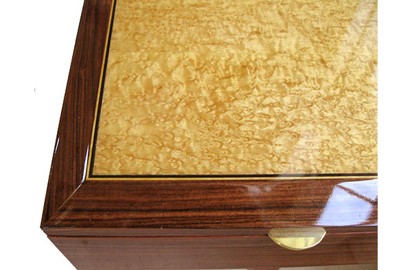 Bird's eye maple framed in Santos rose with with ebony and satinwood stringing - Handcrafted large wood box close-up
